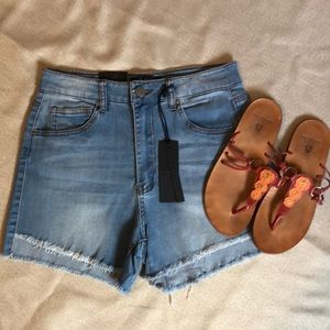 3 FOR $10 CLEARANCE SALE - Label Shorts SZ M